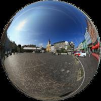 Jego kształt nie zmienił się od czasów lokacji miasta w XII wieku, zabudowa zaś pochodzi głównie z XVII-XVIII wieku. Od 1953 r. układ urbanistyczny Starego Miasta jest wpisany do rejestru zabytków.