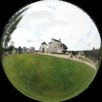 Królewski zamek w Bobolicach został zbudowany przez króla Polski Kazimierza Wielkiego najprawdopodobniej ok. 1350–1352 roku. Należał do systemu obronnego zachodniej granicy państwowej Królestwa Polskiego. Zamek miał bronić od najazdów ze strony Śląska, będącego terytorium granicznym Królestwa Czech.
