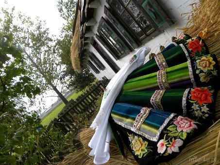 Maurzyce. Skansen, drewniana chata