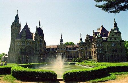 Moszna. Pałac