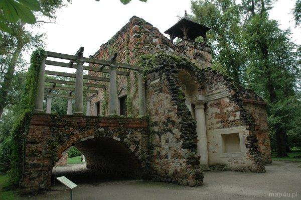 Arkadia. Park romantyczny. Dom Murgrabiego.