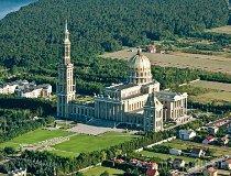 Stary Licheń. Sanktuarium Matki Bożej Bolesnej Królowej Polski (fot. Kacper Dondziak)