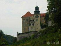 Pieskowa Skała. Zamek widziany spod Maczugi Herkulesa (fot. Piotr Wojtaszek)