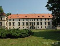 Sucha Beskidzka. Widok na boczną elewację zamku (fot. Piotr Wojtaszek)