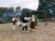 Konopnica. Europejskie Święto Bursztynu to także pokaz prastarych obyczajów życia mieszkańców tamtych lat.