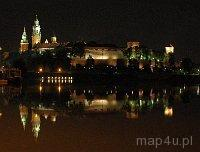 Kraków. Królewski Zamek na Wawelu. Widok na wzgórze Wawelskie z mostu Dębnickiego