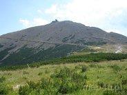 Karkonoski Park Narodowy. Widok na najwyższy szczyt Karkonoszy Śnieżkę