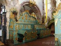 Sulejów. Stalle w kościele pw. św. Tomasza Kantuaryjskiego w Podklasztorzu. (fot. Paulina Gajzler)