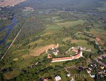 Odcinek 17 prowadzi przez urozmaicone tereny leśno-rolne oraz dolinę rzeki Pilicy w dużej mierze po granicy malowniczego obszaru Sulejowskiego Parku Krajobrazowego (fot. Kacper Dondziak)