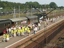 Lipce Reymontowskie. Dzień Reymonta 2006. Pociąg do Lipiec na stacji w Koluszkach. (fot. Piotr Solle)