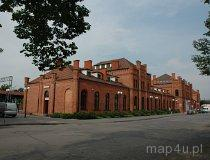 Skierniewice. Dworzec kolei Warszawskow-Wiedeńskiej. Widok od ul. Dworcowej. (fot. Dominika Pusta.)