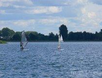 Jezioro Powidzkie. Windsurfing (fot. Łukasz Konieczny)