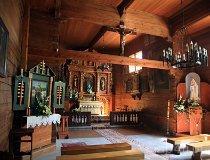 Sękowa. Kościół pw. śś. Filipa i Jakuba, XVI w. (fot. Marek i Ewa Wojciechowscy)