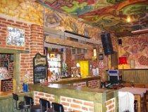"""Gomunice. Klub muzyczny """"Cafe Club Bogart"""", ul. Fabryczna 13 (fot. Piotr Solle)"""