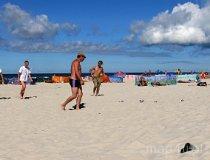 Gra w bule na plaży (fot. Daria Konieczna)