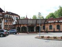 """Stare Jabłonki. Hotel """"Anders"""" (fot. Łukasz Konieczny)"""