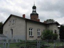 Konopnica. Plebania oraz wieża kościoła pw. św. Rocha. (fot. Maciej Kronenberg)