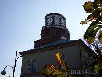 Wieluń. Brama Krakowska, obecnie wieża ratusza miejskiego. (fot. Arkadiusz Makoski)