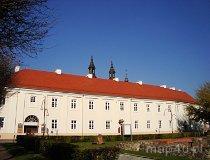 Wieluń. Dawny klasztor oo. Pijarów. (fot. Arkadiusz Makoski)